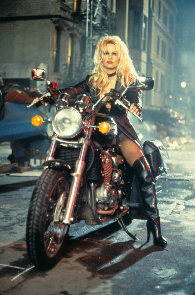pamela_anderson_pambition_com_barbwire_1996_tommy_lee_3