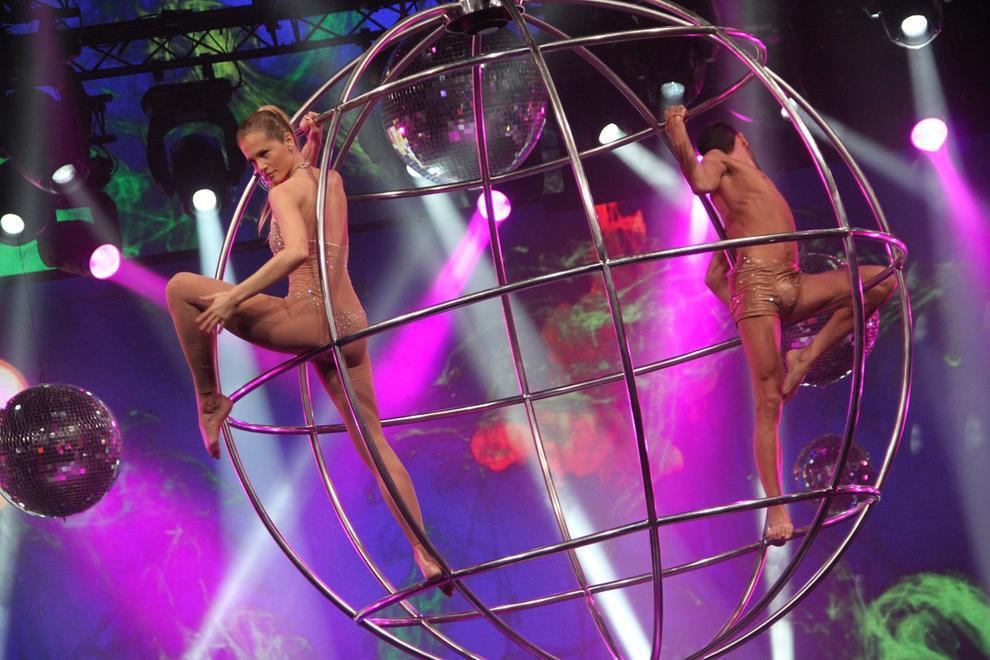 liz solari bailando-show.blogspot com