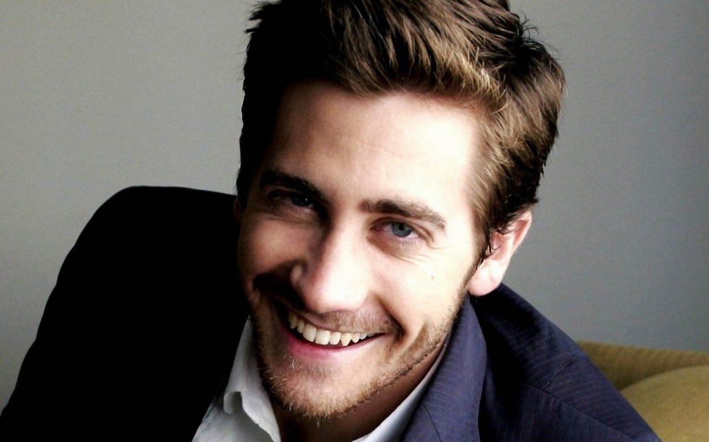 jake-gyllenhaal-smile_107855-1440x900 brothersoft