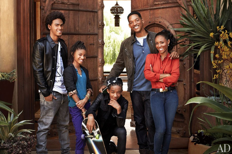dam-images-celebrity-homes-will-and-jada-pinkett-smith-will-jada-pinkett-smith-home-01-family-portrait