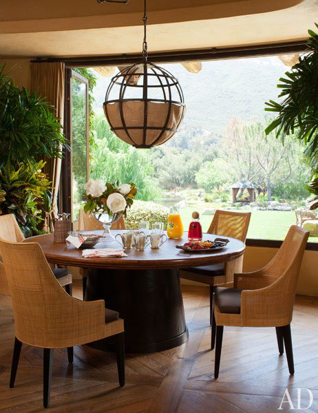 dam-images-celebrity-homes-will-and-jada-pinkett-smith-will-jada-pinkett-smith-home-12-breakfast-nook