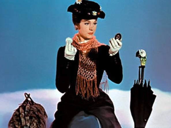Il Ritorno di Mary Poppins differenze tra la Mary di Julie Andrews e quella di Emily Blunt