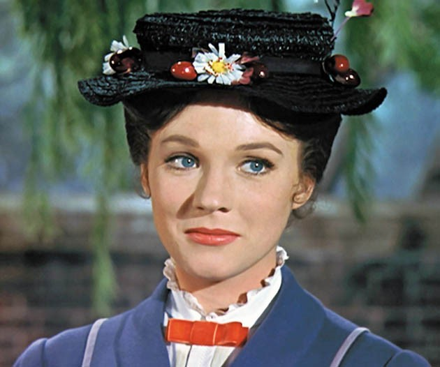 Mary Poppins- Julie Andrews (1964) - Il Ritorno di Mary Poppins: differenze tra la Mary di Julie Andrews e quella di Emily Blunt